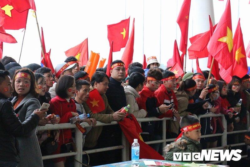 Truc tiep: Khong khi xem tran chung ket U23 Viet Nam - U23 Uzbekistan tren ca nuoc hinh anh 108