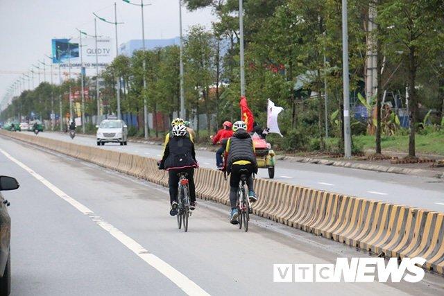Truc tiep le don U23 Viet Nam ve nuoc: Khong khi soi dong chua tung co hinh anh 116