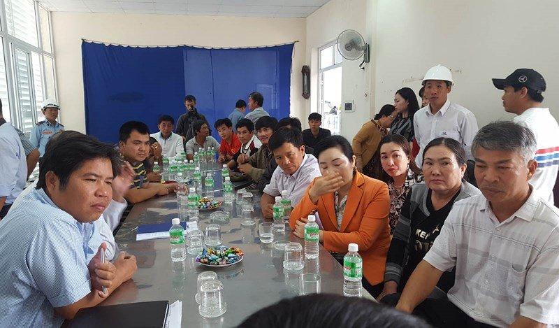 Bo GTVT khong dong y giam phi, tai xe tiep tuc phan doi tram BOT Ninh An hinh anh 2