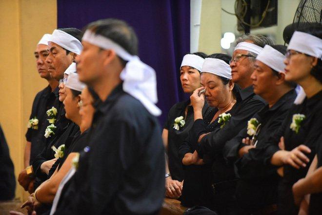 Anh: Xuc dong le vieng Tong giam muc Phaolo Bui Van Doc tai nha tho Duc Ba hinh anh 5