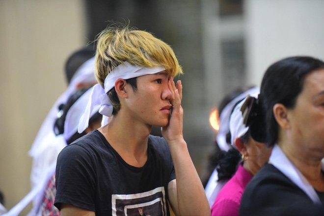 Anh: Xuc dong le vieng Tong giam muc Phaolo Bui Van Doc tai nha tho Duc Ba hinh anh 13