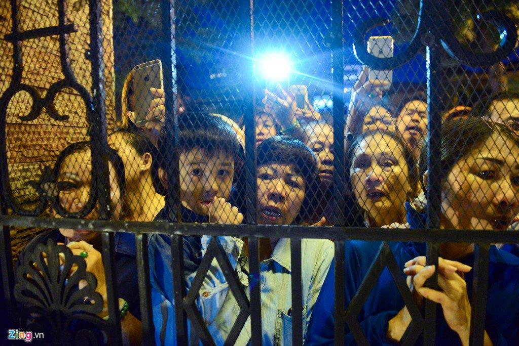 Anh: Giao dan Sai Gon nghen ngao don linh cuu co Tong giam muc Bui Van Doc hinh anh 10
