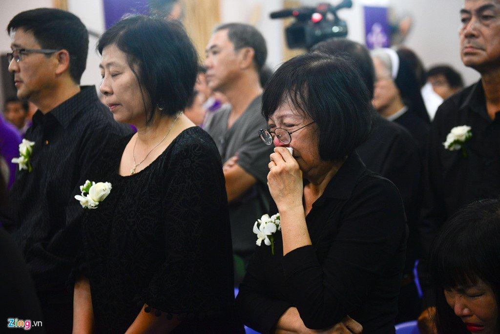 Anh: Giao dan Sai Gon nghen ngao don linh cuu co Tong giam muc Bui Van Doc hinh anh 12