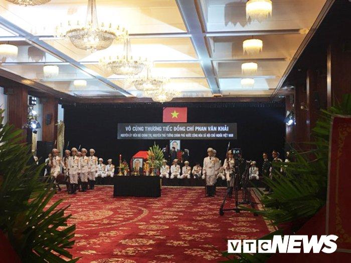 Anh: Cac doan lanh dao Dang, Nha nuoc vieng nguyen Thu tuong Phan Van Khai hinh anh 14