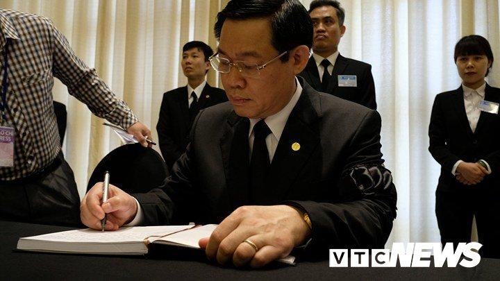 Anh: Cac doan lanh dao Dang, Nha nuoc vieng nguyen Thu tuong Phan Van Khai hinh anh 10
