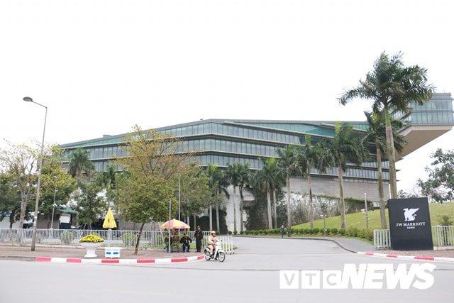 Anh: Cong binh kiem tra an ninh, do min o 2 khach san tung don Tong thong My tai Ha Noi hinh anh 1