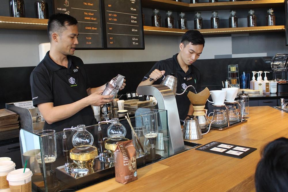 Starbucks khai truong cua hang thu 7 tai Ha Noi hinh anh 1