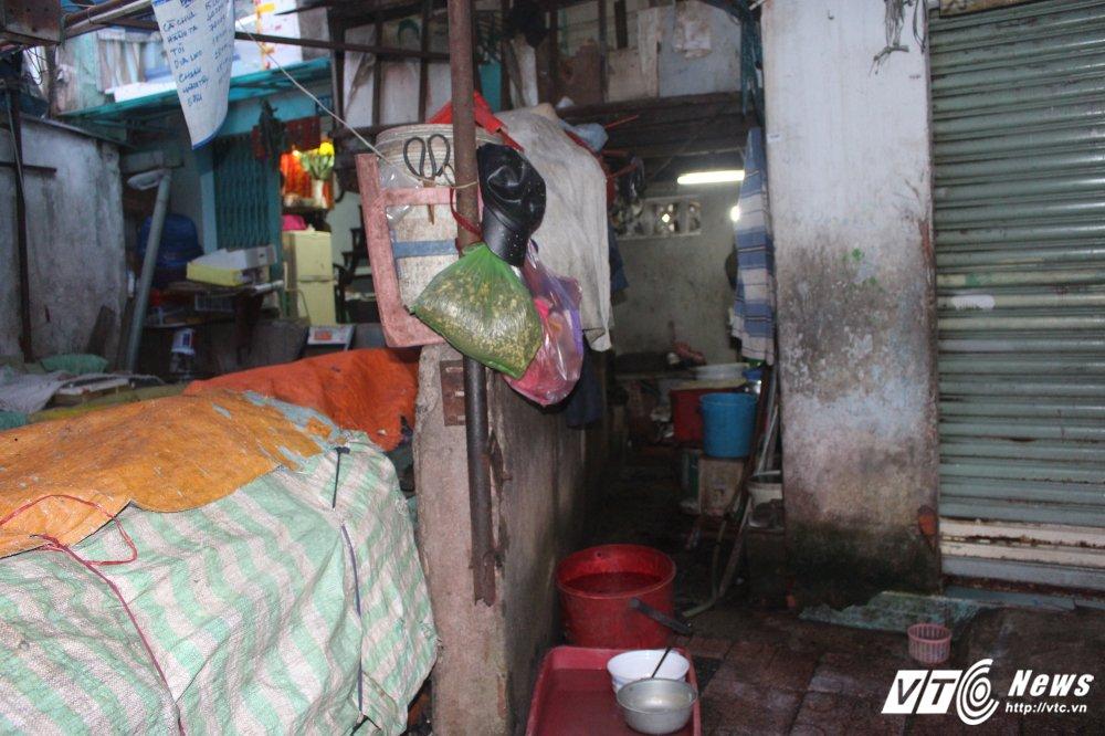 Truy tim goc tich búc tuòng bo rác 'buoc' gan 40 nguoi song chui ruc tại Sài Gòn hinh anh 3