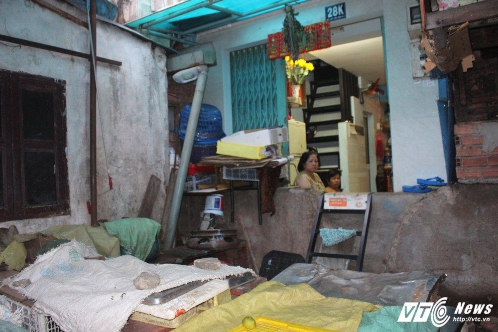 Truy tim goc tich búc tuòng bo rác 'buoc' gan 40 nguoi song chui ruc tại Sài Gòn hinh anh 4