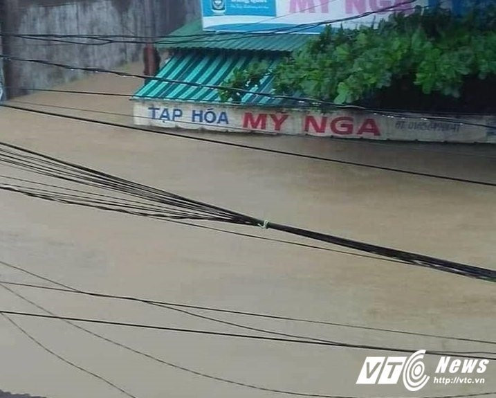 Ho thuy dien lon nhat Quang Ngai xa lu tu dem nay hinh anh 1