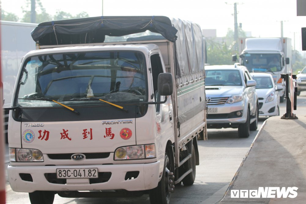 Anh: Tai xe tong sap barie, BOT Soc Trang buoc phai xa tram hinh anh 7