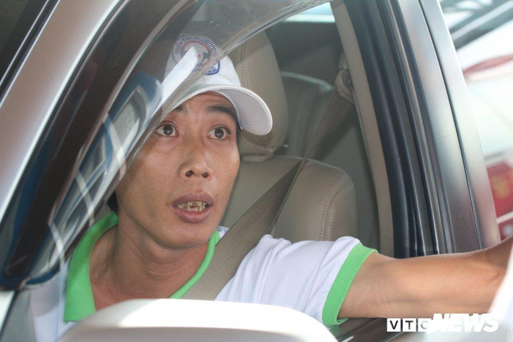 Tai xe phan doi tram BOT Soc Trang: 'Uong coc tra da ma phai tra tien cho ly ca phe sua' hinh anh 5