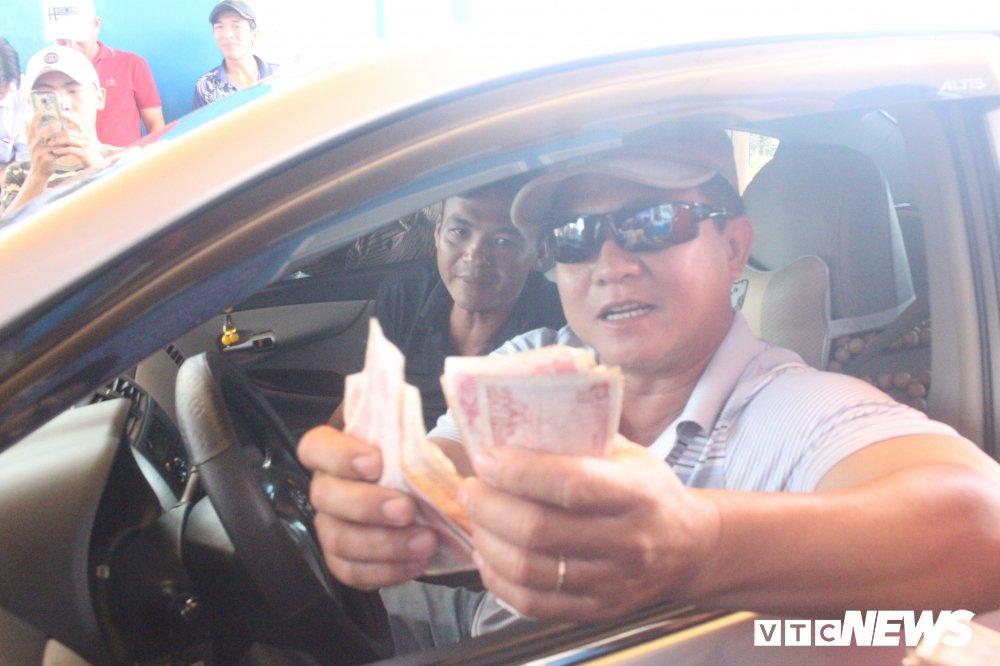 Bo GTVT dong y giam gia ve qua BOT Soc Trang, tai xe van ban khoan hinh anh 1
