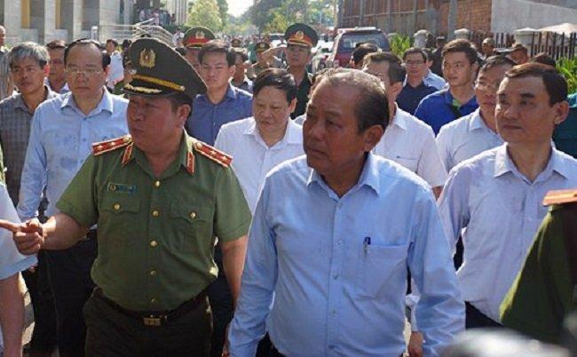 Chay chung cu Carina: Pho Thu tuong Truong Hoa Binh doi thoai voi dan hinh anh 1