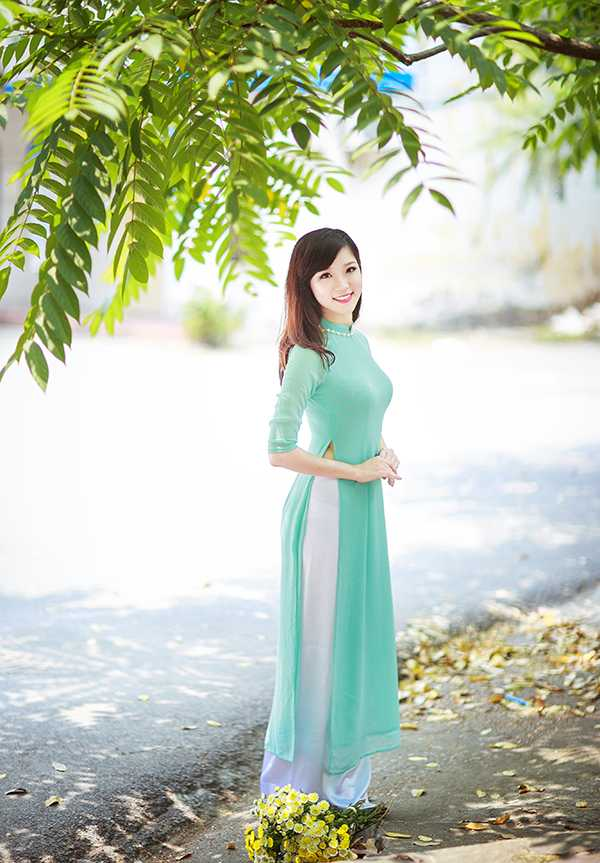 Hoa khoi Nu sinh Viet Nam xinh dep, hat hay, cao nhu sieu mau hinh anh 4