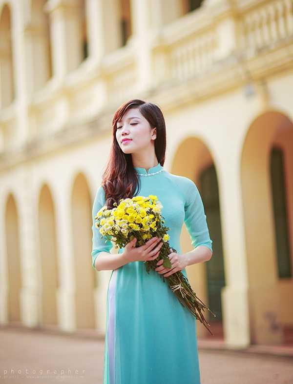 Hoa khoi Nu sinh Viet Nam xinh dep, hat hay, cao nhu sieu mau hinh anh 5