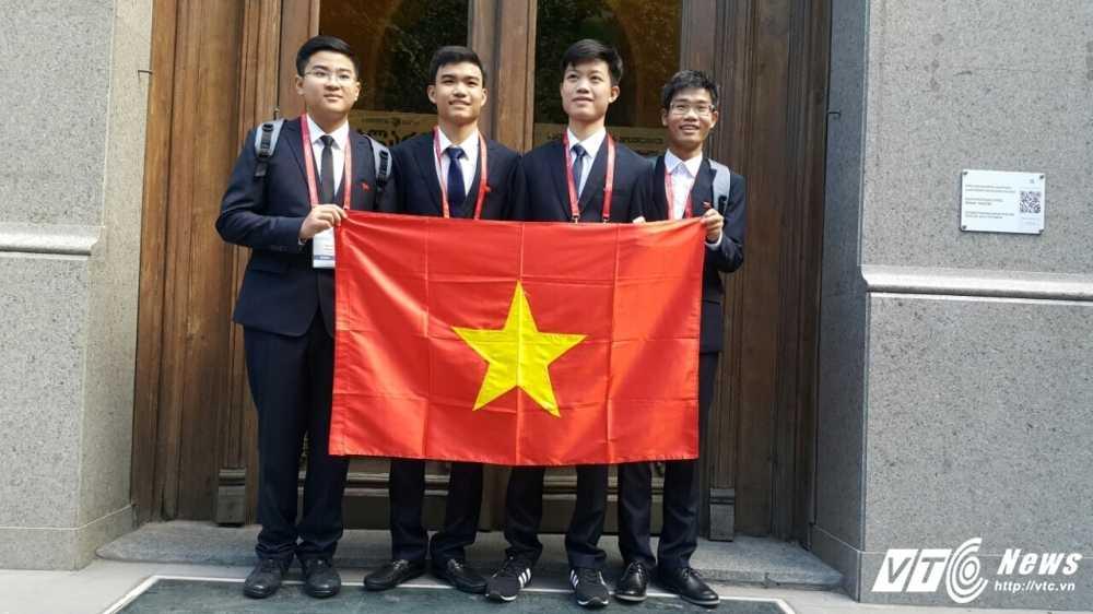 Viet Nam gianh 2 huy chuong Vang Olympic Hoa hoc quoc te 2016 hinh anh 1