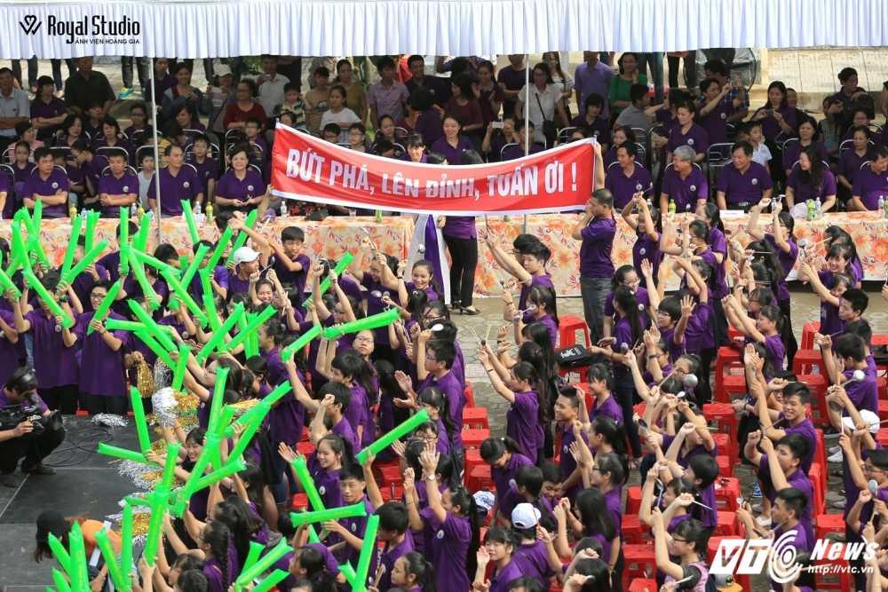 Ngoi truong cua A quan Duong len dinh Olympia 2016 'nhuom' sac tim hinh anh 9