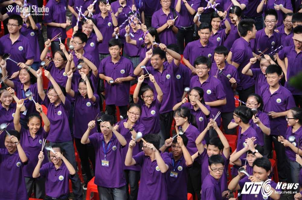 Ngoi truong cua A quan Duong len dinh Olympia 2016 'nhuom' sac tim hinh anh 18