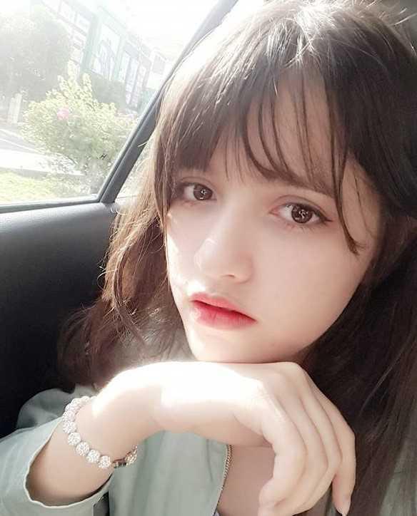 Hot girl lai Tay xinh dep co hon 10.000 nguoi yeu thich tren facebook hinh anh 1