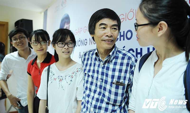TS Le Tham Duong: Hieu ro ban than de 'ban minh' dung gia hinh anh 3