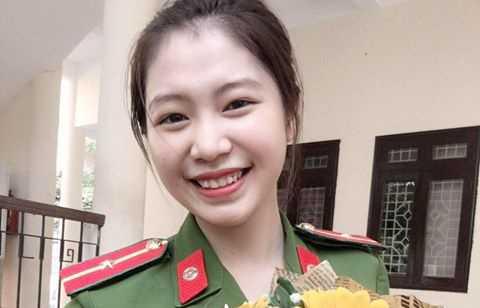Nu thu khoa xinh dep duoc vinh danh trong le tot nghiep truong Cao dang Canh sat nhan dan I hinh anh 1