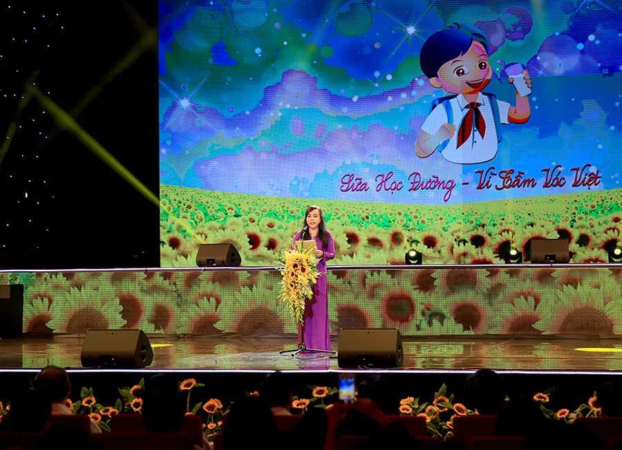 Ong Nguyen Thien Nhan: Phat trien nguon luc con nguoi la quan trong nhat hinh anh 3