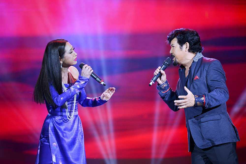 Tro ve Viet Nam, MC Ky Duyen lam 'day song' fan Da Nang hinh anh 4