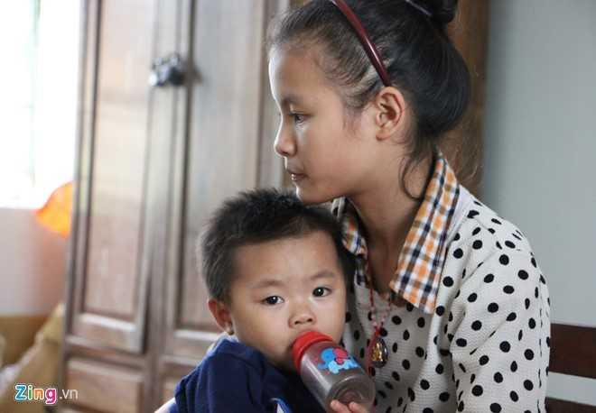 Anh: Truong hoc Ha Tinh chim trong nuoc lu, gan 60.000 hoc sinh khong the den truong hinh anh 8