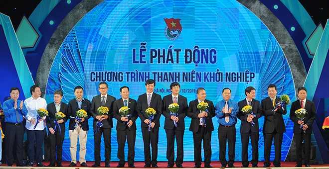 Thu tuong: 'Tren the gioi co nguoi khoi nghiep o tuoi 20' hinh anh 3