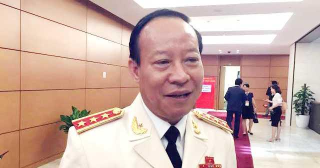 Chay quan karaoke, 13 nguoi chet: Thuong tuong Le Quy Vuong thong tin moi nhat hinh anh 1