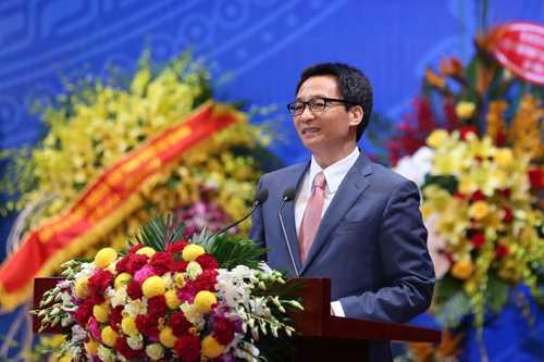 Pho Thu tuong Vu Duc Dam: 'GS, PGS la nhung tam guong nhan cach' hinh anh 1