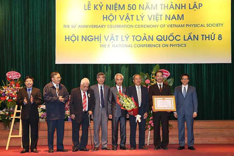 Pho Thu tuong Vu Duc Dam: Nang cao tiem luc KHCN doi hoi no luc dac biet hinh anh 2