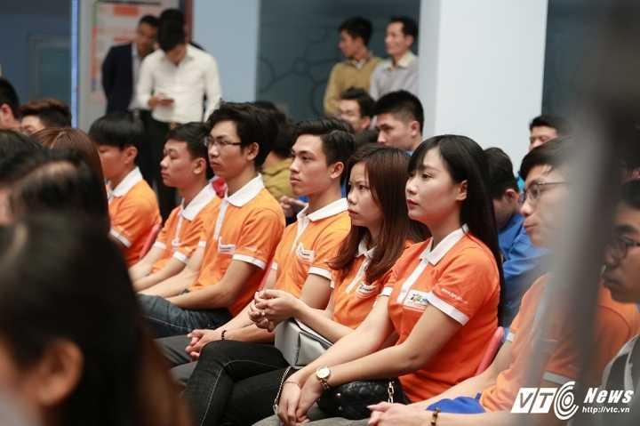 Pho Thu tuong Vu Duc Dam: 'Sinh vien phai co khat vong thay doi the gioi' hinh anh 3