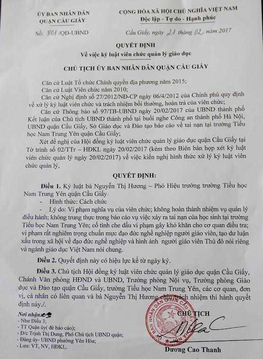Hieu truong tieu hoc Nam Trung Yen vang mat khi cong bo quyet dinh cach chuc hinh anh 2