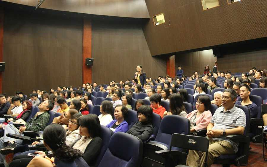 TS Dang Hoang Giang: 'Chung ta quen mat minh da tan ac nhu the nao' hinh anh 4