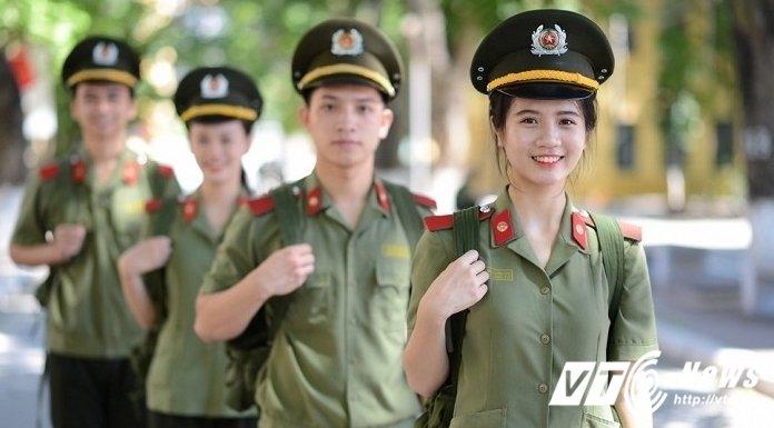 'Hoa khoi san co C500' xinh dep me ca hat, gioi 2 ngoai ngu hinh anh 4