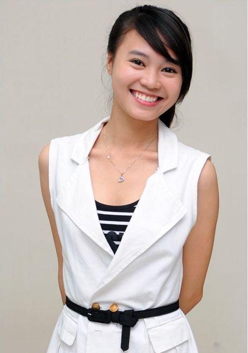 Tu khi 'lot xac' sexy, Lan Ngoc giong Hoang Thuy Linh den ngo ngang hinh anh 3