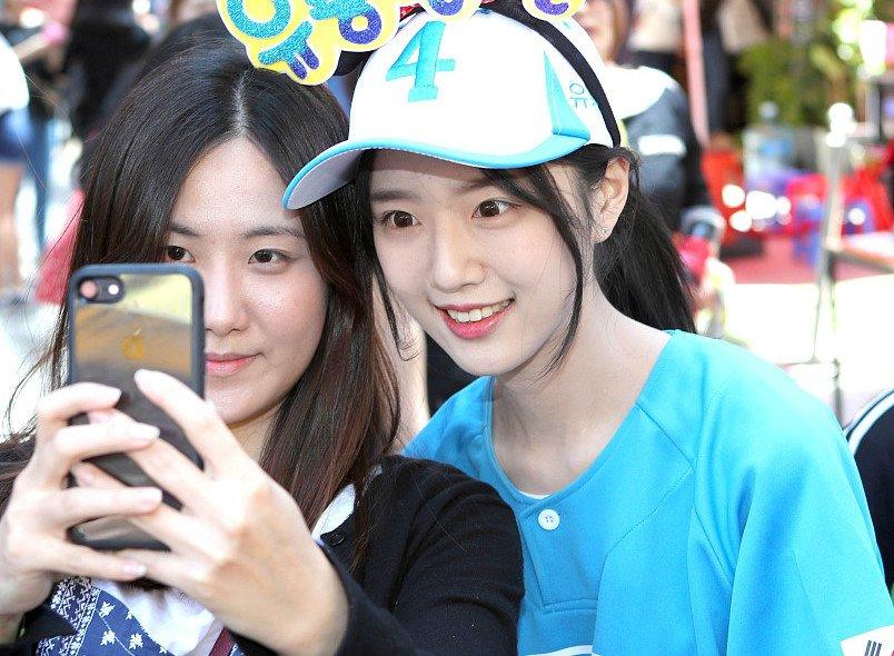 Con gai ung vien tong thong Han Quoc xinh nhu hot girl hinh anh 4