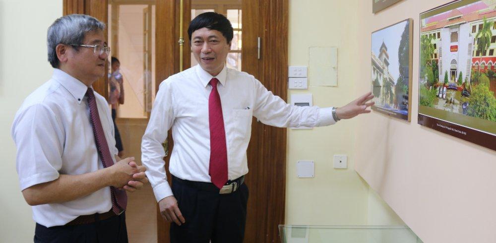 Tong giam doc FPT: 'Bai toan cong nghe deu chua dung cac mo hinh toan hoc' hinh anh 4