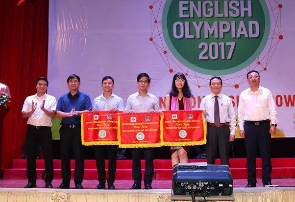 Hoc vien An ninh nhan dan gianh giai Nhat Olympic Tieng Anh chuyen 2017 hinh anh 4