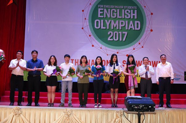Hoc vien An ninh nhan dan gianh giai Nhat Olympic Tieng Anh chuyen 2017 hinh anh 5