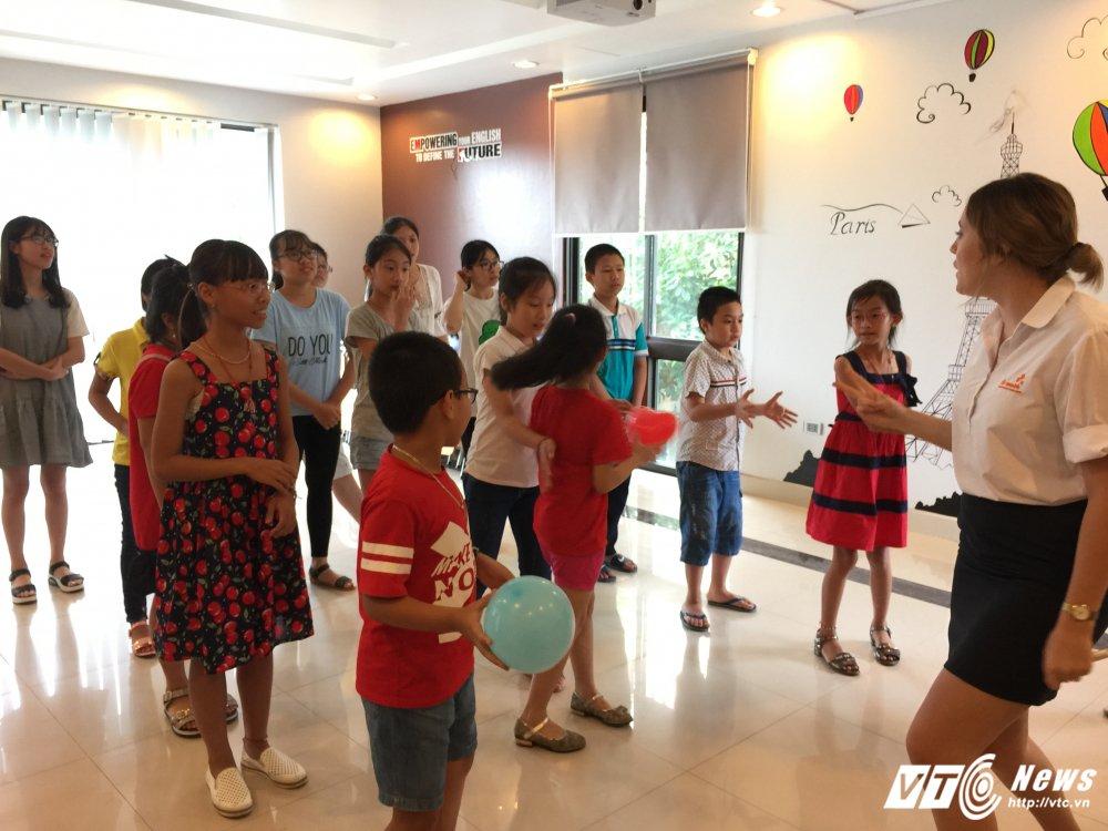 Hoc sinh Quang Ninh thich thu trai nghiem moi truong tieng Anh 100% giao vien ban ngu hinh anh 7