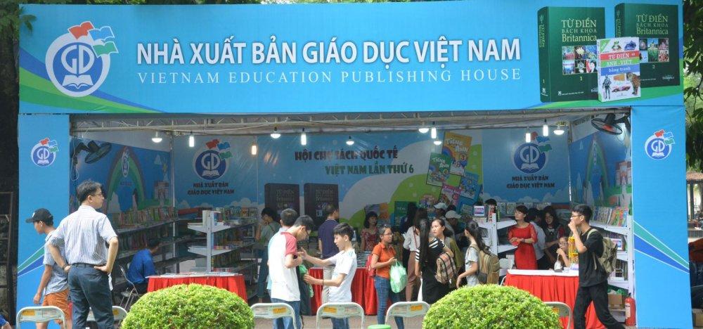 Sai pham tai NXB Giao duc Viet Nam: Trai viet sach thanh khu nghi duong hinh anh 1