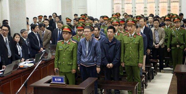 Ong Dinh La Thang noi loi sau cung: 'Khong bao gio nghi ban than phai dung truoc toa' hinh anh 1
