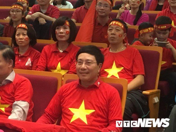 Truc tiep: Khong khi xem tran chung ket U23 Viet Nam - U23 Uzbekistan tren ca nuoc hinh anh 54