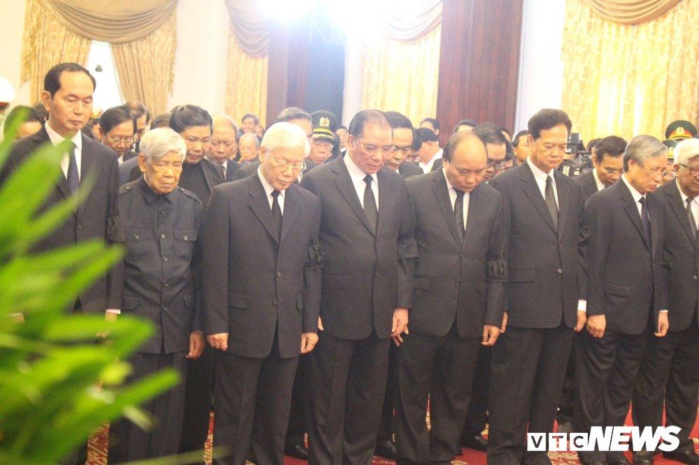 Anh: Cac doan lanh dao Dang, Nha nuoc vieng nguyen Thu tuong Phan Van Khai hinh anh 1