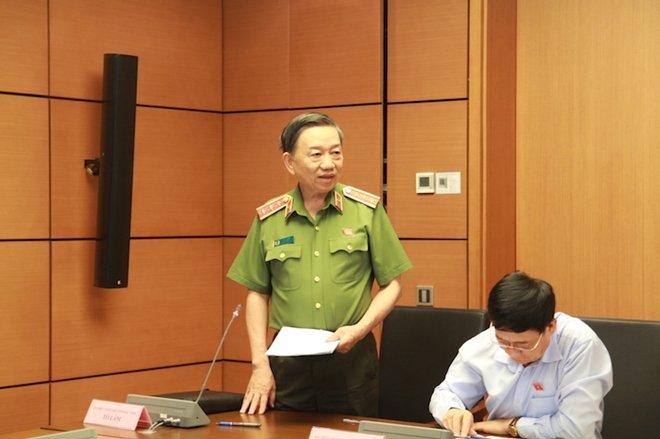 Bo truong Cong an: 'Truoc day cac vi dai bieu Quoc hoi cu noi sao ma tuong nhieu the' hinh anh 1