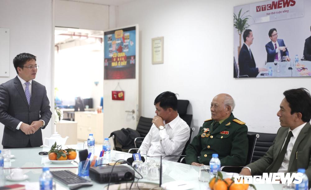 Cuộc hạnh ngộ như mơ từ bức ảnh 'biểu tượng nhất' cuộc chiến chống Trung Quốc xâm lược - 3