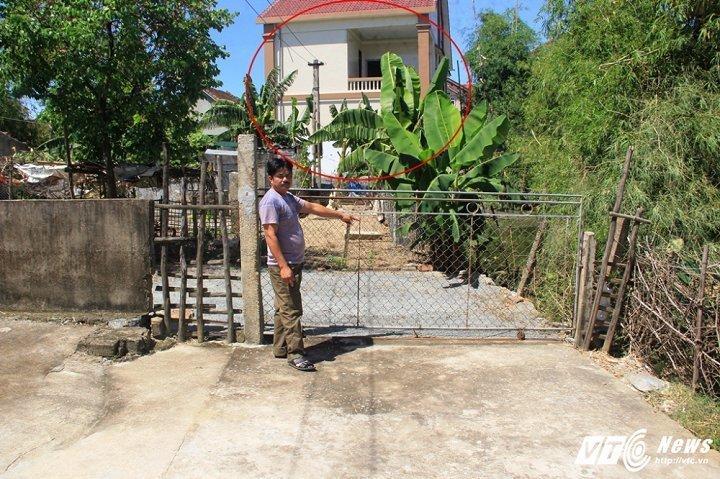 Truong thon tu y ban duong cho nguoi khac xay nha: Da tra lai duong cho dan hinh anh 1